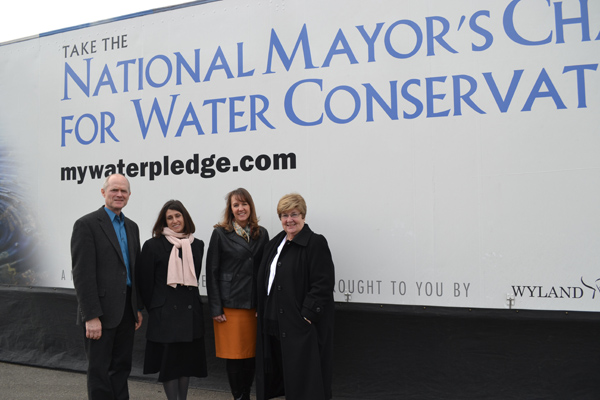 Ann Arbor Mayor John Hieftje, Huron River Watershed Director Elizabeth Riggs, Assistant Manager of External Affairs at Toyota's Planning Center Cindy Mahalak, and AAPS Superintendent Dr. Patricia Green.
