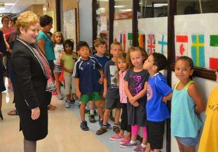 Dr. Swift visits Thurston Elementary School Sept. 3, 2013