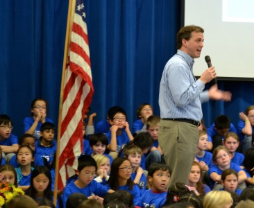 State Rep. Jeff Irwin (D-Ann Arbor) talks to the students.
