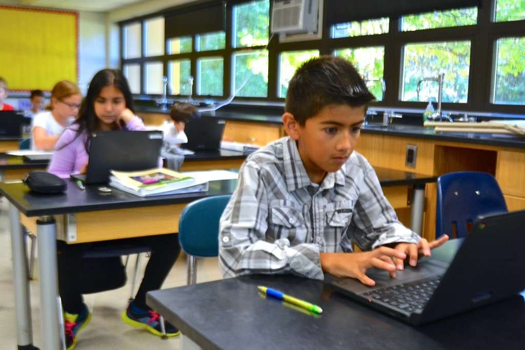 These Scarlett Middle School students no longer have to be wired in at the computer lab to use the latest technology.